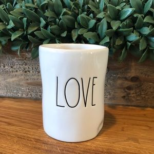 Rae Dunn LOVE candle